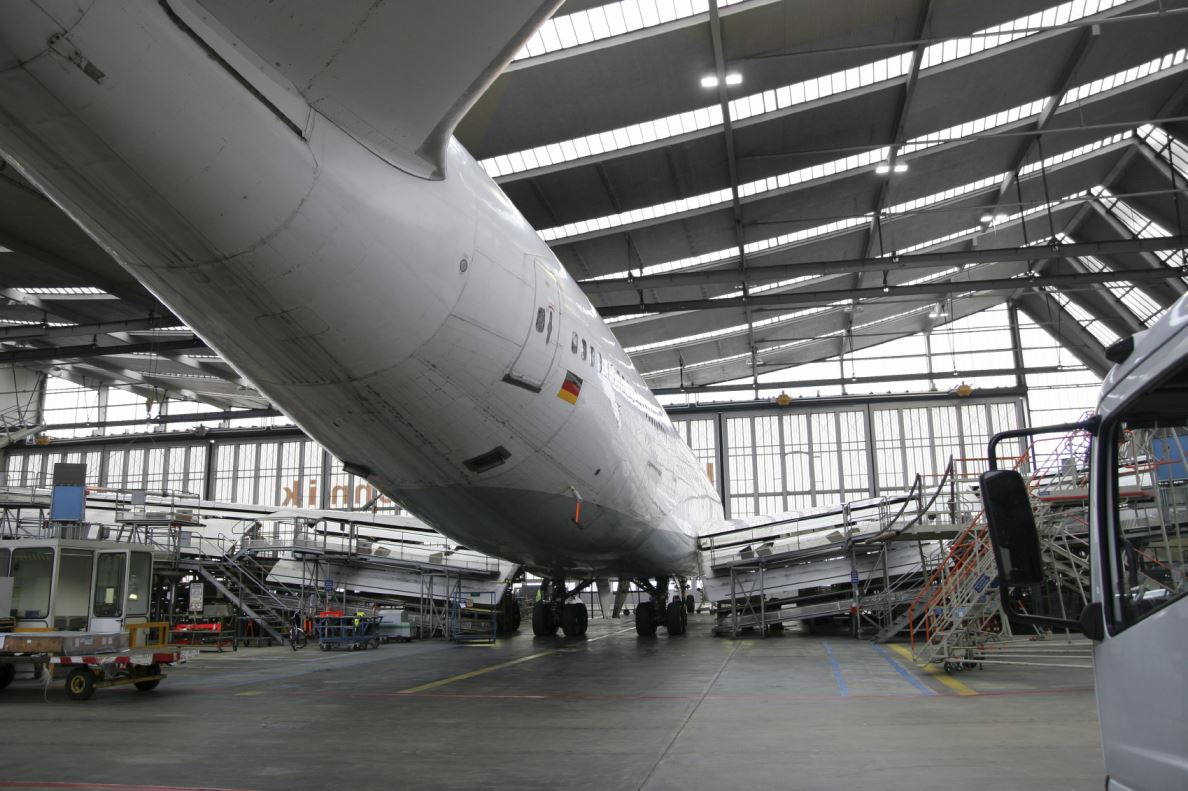 aviation management Learn the technical language of the aviation industry and manage airlines or direct corporate flight offices.